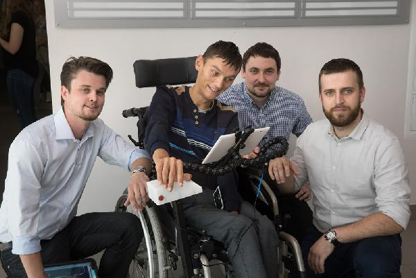 Firma z Jasionki stworzyła aplikację do komunikacji osób niepełnosprawnych