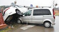 Groźne zderzenie dwóch samochodów - Aktualności Podkarpacie