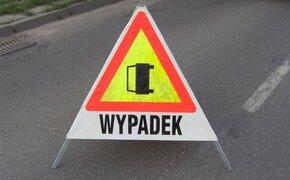 Zderzenie dwóch samochodów i radiowozu. Zablokowana DW723 w Tarnobrzegu - Aktualności Podkarpacie