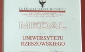| Medal Orzeł Biznesu dla UR