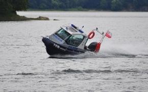 Trwają poszukiwania 60-latka, który wypadł z jachtu na Jeziorze Solińskim