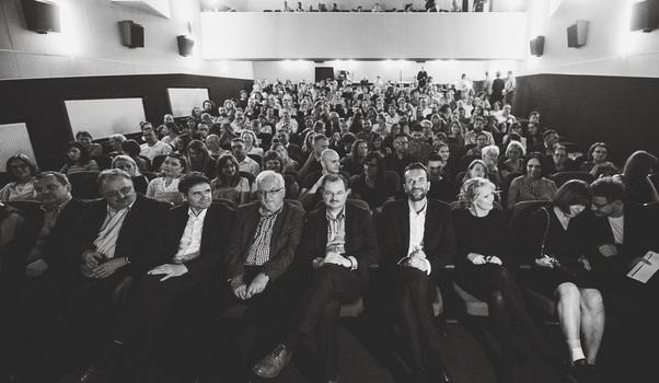 """Kulig i Kot na premierze filmu """"Zimna wojna"""" w rzeszowskim WDK-u. Sala była wypełniona po brzegi - Aktualności Rzeszów"""