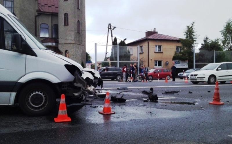 (FOTO) Wypadek na ul. Lwowskiej - Aktualności Rzeszów - zdj. 4
