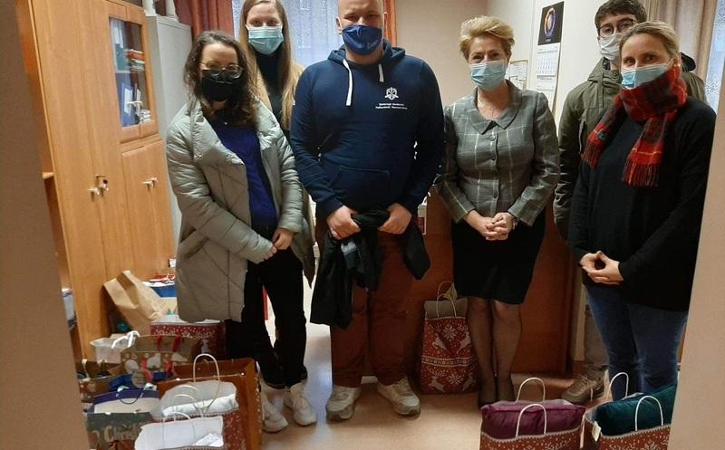 Studenci Politechniki Rzeszowskiej pomogli potrzebującym  - Aktualności Rzeszów