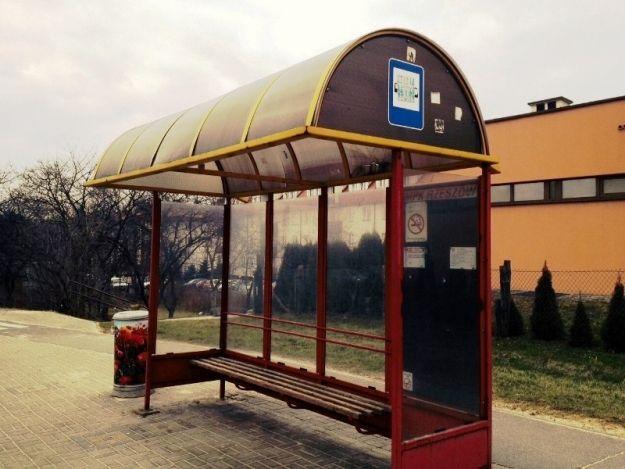 Aktualności Rzeszów | Porysował przystanki, kioski i skrzynki elektryczne