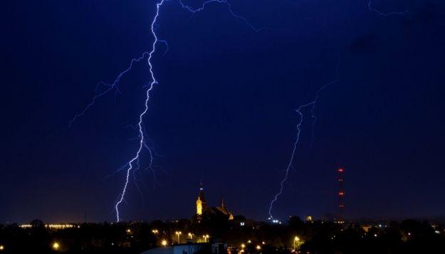 Aktualności Podkarpacie | Silne ulewy, grad i burze  - prognozy pogodowe dla Podkarpacia