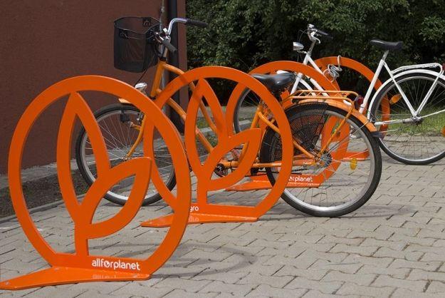 Aktualności Podkarpacie | Milion kilometrów w drodze po stojaki rowerowe