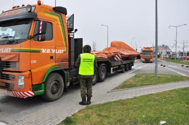 Aktualności Rzeszów | Są opóźnienia w następnym transporcie wraku boeinga