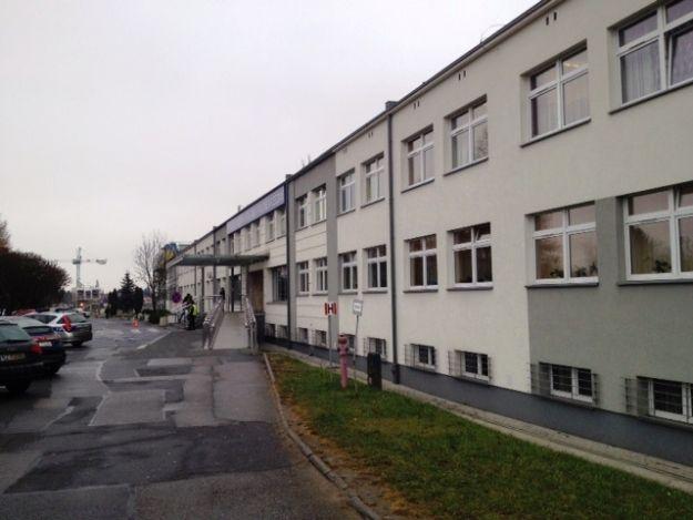 Aktualności Rzeszów | Znowu alarmy bombowe! Przeszukują 3 szpitale i ZUS!