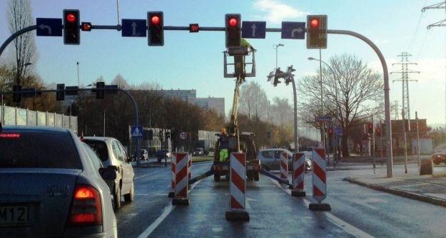 Aktualności Rzeszów | (FOTO) Trwają prace przy masztach. Kiedy zacznie działać Rzeszowski System Transportowy?