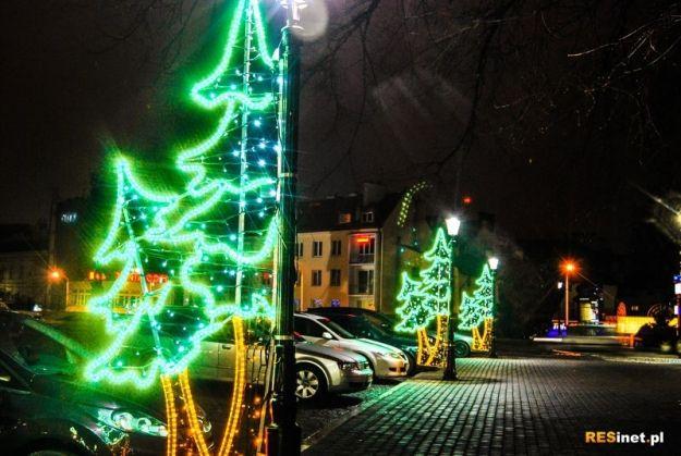Aktualności Rzeszów | Świąteczne świecidełka jednak dłużej niż planowano