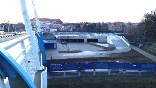 Aktualności Rzeszów | Dobiega końca budowa parkingu w rejonie Mostu Zamkowego