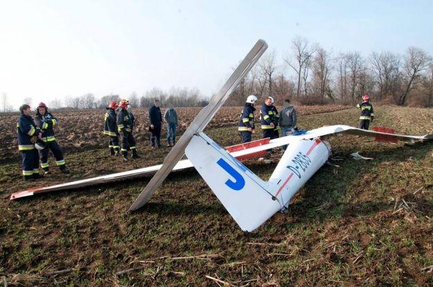 Aktualności Podkarpacie | Łazy. Awaryjne lądowanie szybowca. Ranny pilot trafił do szpitala