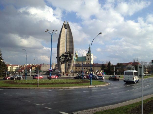 Aktualności Rzeszów | Dziś flash mob przy Pomniku Walk Rewolucyjnych!