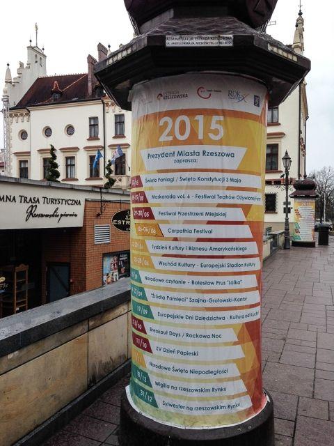 Aktualności Rzeszów | Będą nowoczesne słupy ogłoszeniowe. Zastąpią stare tablice