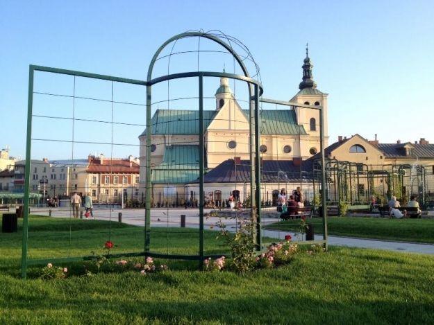 Aktualności Rzeszów | Ponad 200 tys. zł dla wykonawcy Ogrodów. Bernardyni mają zapłacić karę