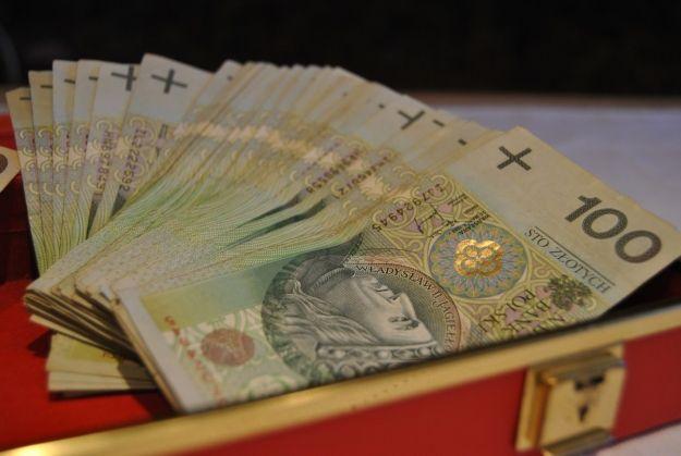 Aktualności Podkarpacie | Maleje bezrobocie, wzrastają płace. Ożywienie gospodarcze w regionie