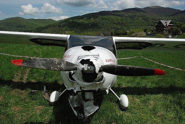 Aktualności Podkarpacie | W Bieszczadach samolot uderzył w ziemię podczas lądowania