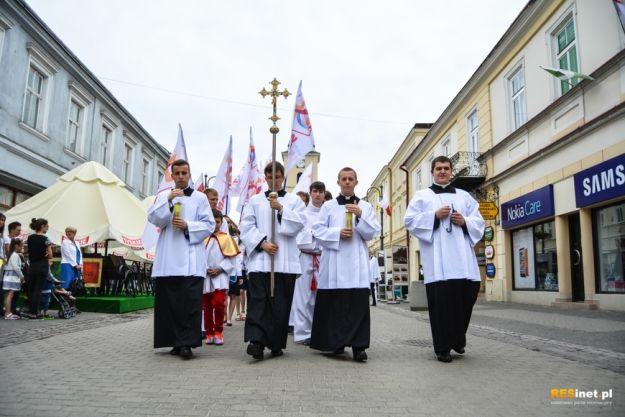 Aktualności Rzeszów | FOTO. Zdjęcia z procesji Bożego Ciała w Rzeszowie