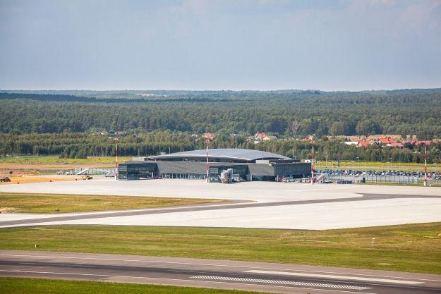 Aktualności Rzeszów | Trwa przebudowa drogi startowej w porcie lotniczym Rzeszów-Jasionka