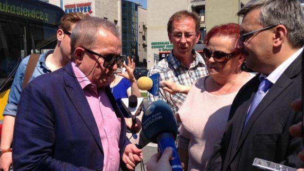 Aktualności Rzeszów | Udogodnienia w komunikacji miejskiej dla osób niewidzących. Piloty, przyciski i system głośnomówiący