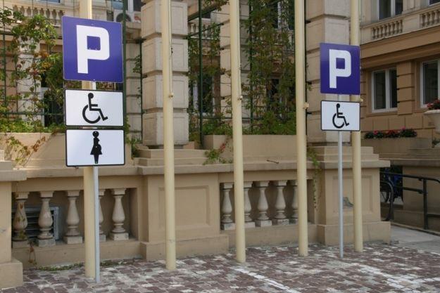 Aktualności Rzeszów | Uwaga! Wydane karty parkingowe tracą ważność
