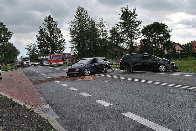 Aktualności Rzeszów | Trzy uszkodzone auta, czworo rannych i utrudnienia. Bilans wczorajszego wypadku w Stobiernej