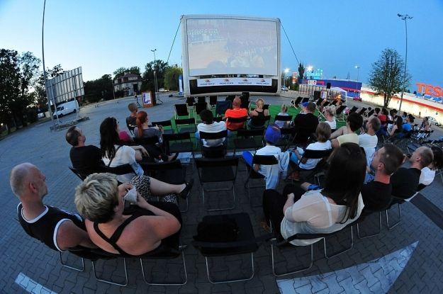 Aktualności Rzeszów | Kino Letnie na leżaku albo z auta i (prawie) darmowy popcorn