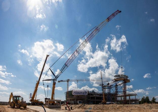 Aktualności Rzeszów | (VIDEO) Na Centrum Wystawienniczo-Kongresowym jest już zwornik kopuły. Zobacz film z placu budowy