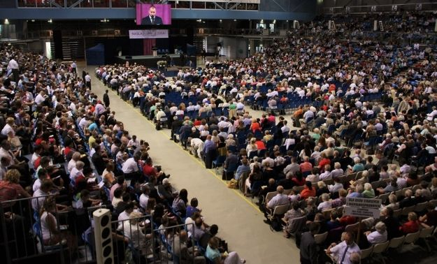 Aktualności Rzeszów | Blisko 5000 Świadków Jehowy na Podpromiu