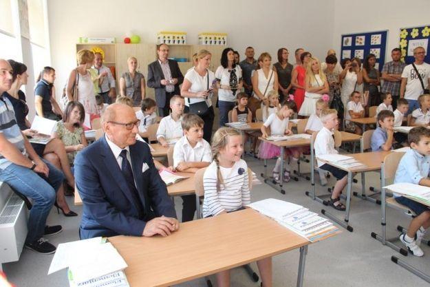 Aktualności Rzeszów | Nowa szkoła oficjalnie oddana do użytku. Wybudowali kompleks za ponad 32 mln zł