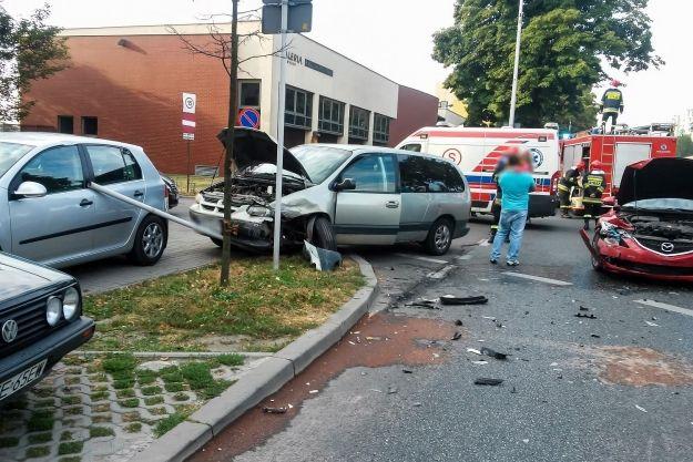 Aktualności Rzeszów | Zderzenie dwóch samochodów na ul. Dąbrowskiego