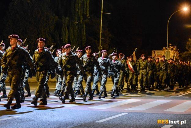 Aktualności Rzeszów | FOTO. Nocny przemarsz wojsk ulicami Rzeszowa