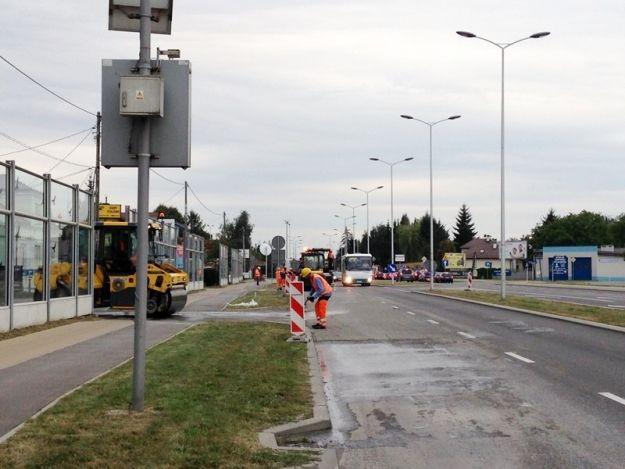 Aktualności Rzeszów | Rozpoczęto prace nad montażem wag pojazdów