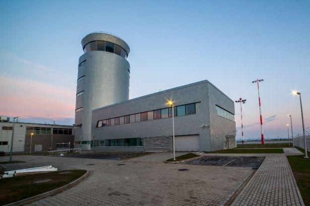 Aktualności Rzeszów | Wieża kotroli lotów w Jasionce ukończona