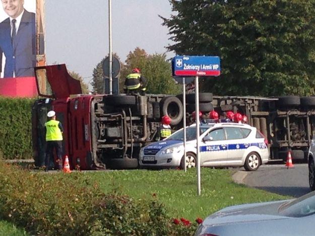 Aktualności Rzeszów | Utrudnienia po wypadku tira do późnego wieczora