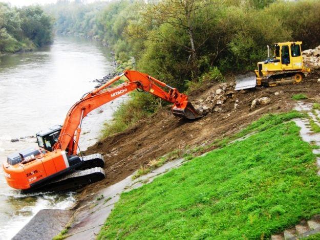 Aktualności Podkarpacie | Trwa remont brzegu Wisłoki. Jak przebiegają prace?