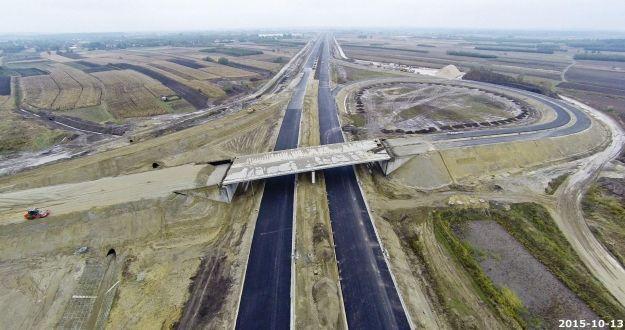 Aktualności Rzeszów | Trwają prace przy budowie ponad 40 kilometrowego odcinka autostrady A4 Rzeszów-Jarosław