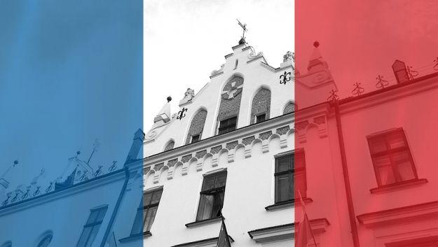 Aktualności Rzeszów | W ratuszu możesz oddać hołd ofiarom zamachów w Paryżu