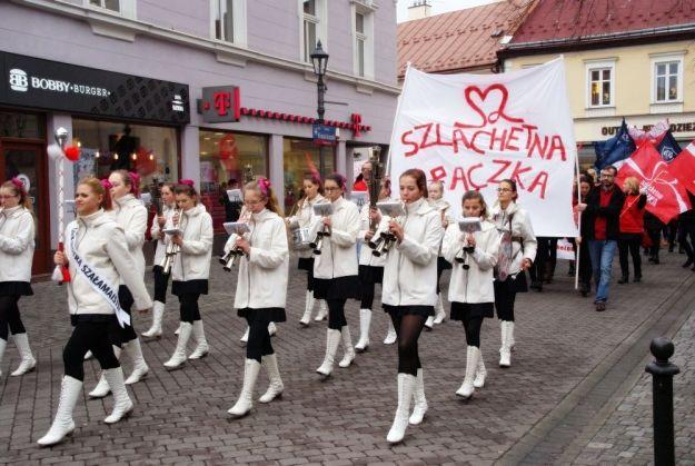 Aktualności Rzeszów | FOTO. Ruszyła Szlachetna Paczka. Zdjęcia z marszu w Rzeszowie