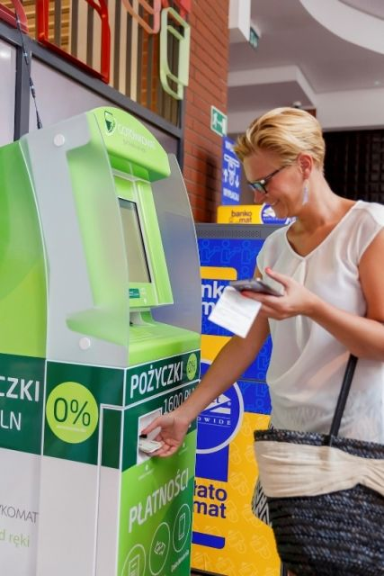 Aktualności Rzeszów | Wygląda jak bankomat, ale może więcej. Pierwszy Gotówkomat w Rzeszowie
