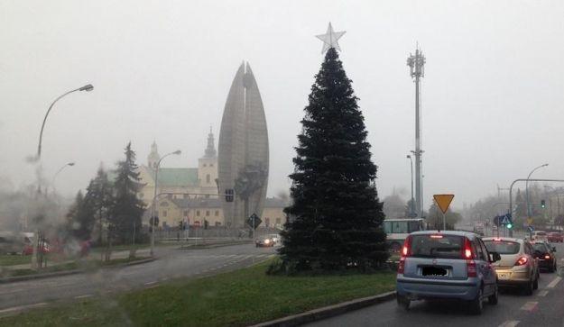 Aktualności Rzeszów | Ostatni tydzień ze świąteczną choinką przy Cieplińskiego
