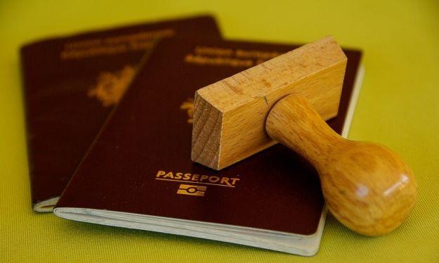 Aktualności Podkarpacie | Mając 21 lat, posłużyła się paszportem dziecka