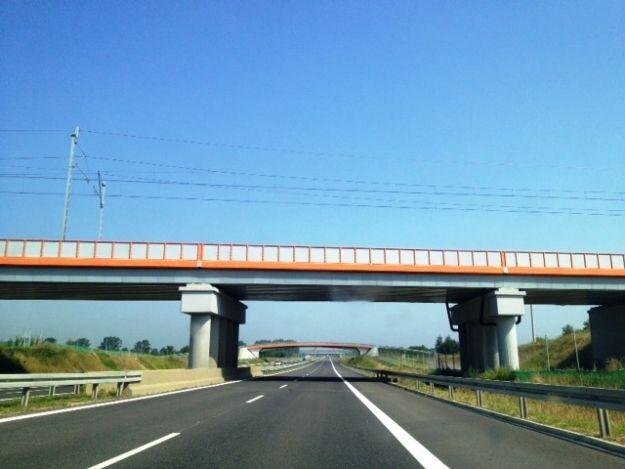 Aktualności Rzeszów | Kolejny wiadukt nad A4 Rzeszów-Jarosław oddany do użytku
