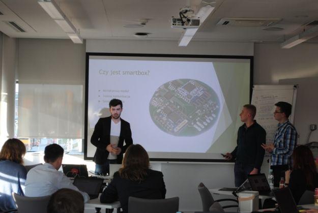 Aktualności Rzeszów | Rzeszowscy studenci w krajowych finałach ImagineCup 2016