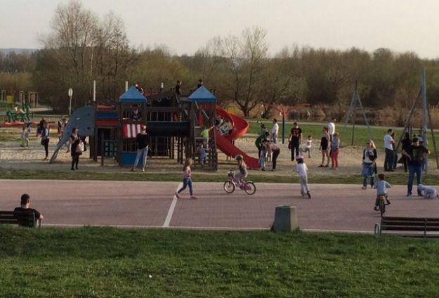 Aktualności Rzeszów | Miasto zainwestuje w lokalne place zabaw. Będą remonty i nowe wyposażenie