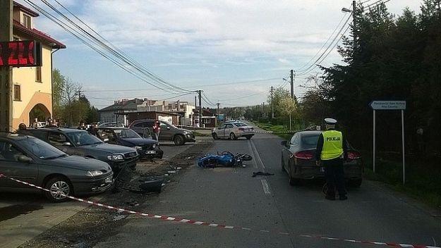 Aktualności Rzeszów | Wypadek przy Jana Pawła II w Rzeszowie. Sześć aut uszkodzonych, motocyklista w szpitalu