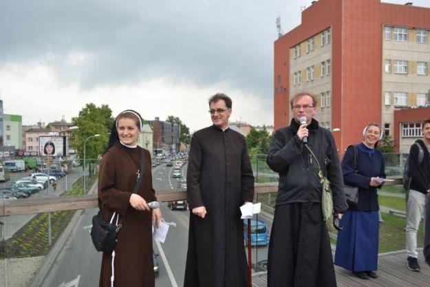 Aktualności Rzeszów | W czwartek księża i siostry zakonne wyruszą na ulice Rzeszowa