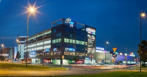 Aktualności Rzeszów   Plaża na dachu rzeszowskiego centrum handlowego