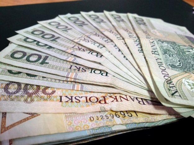 Aktualności Rzeszów | Próbowali wyłudzić kredyt w rzeszowskim banku. Zatrzymani przez policję